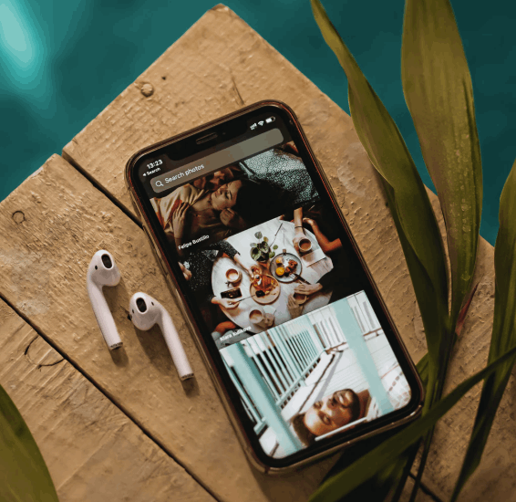 Unlocked iPhone XS in a tropical place